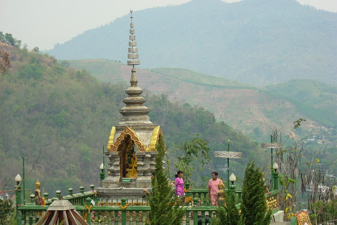 Thailand.Northern-Delights.Temple-in-high-mountains