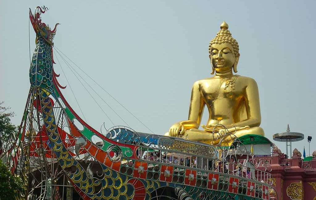 Thailand.Northern-Delights.golden-triangle-buddha