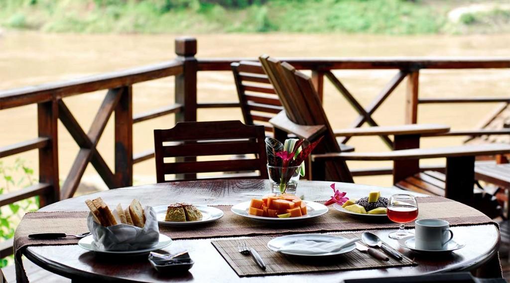 Thailand.Mekong-Cruise.Pak-Beng-Lodge.Dinner